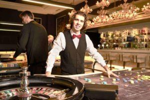 Casino traditionnel croupier