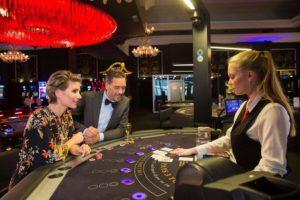 Voordelen Fysiek casino-Croupiers-persoonlijke begeleiding