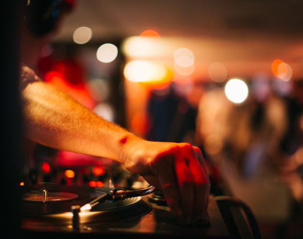 Soirée DJ avec Chris Barrow
